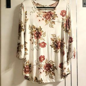 💜3/$30 Plus  Size1X Jersey Formfit Floral Tshirt